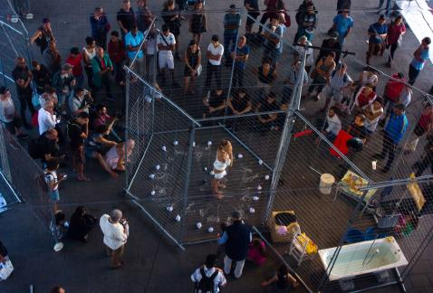 injuries, wounds, refugees, performance, public space, redplexus, preavis des desordre de urbain, Marseille