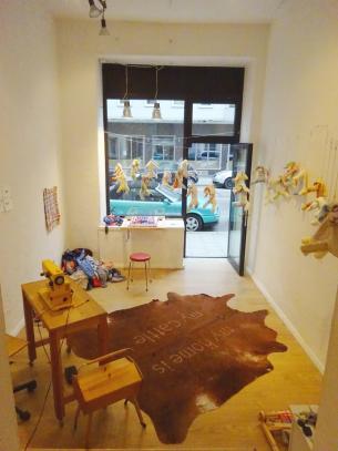Ausstellung, Performancerelikte, Ephemeres zu Materiellem transformieren